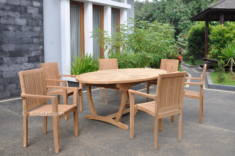 Choosing The Best Teak Furniture For Outdoor Decoration - Best teak outdoor dining table